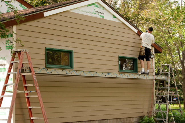 Installing Siding in Pinckney Michigan